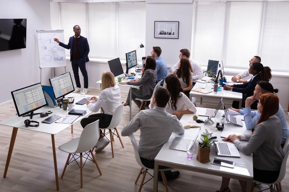 Quels sont les enjeux des formations professionnelles en entreprise?